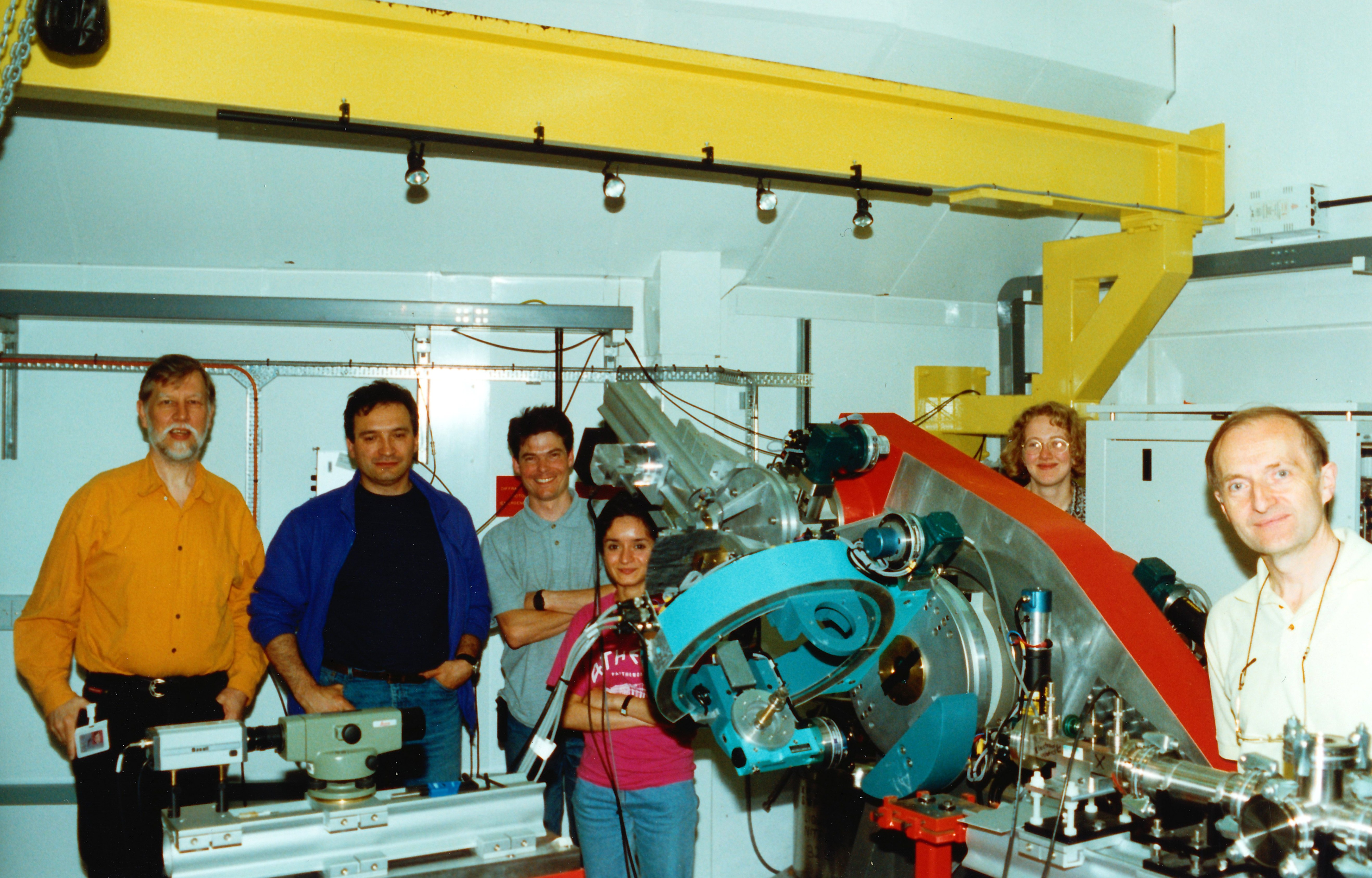 02May98.jpg - John Reid, Gregory Kowalski, Steve Collins, Mina Golshan, Bridget Murphy, Moreton Moore setting up at station 16.3 in May 1998