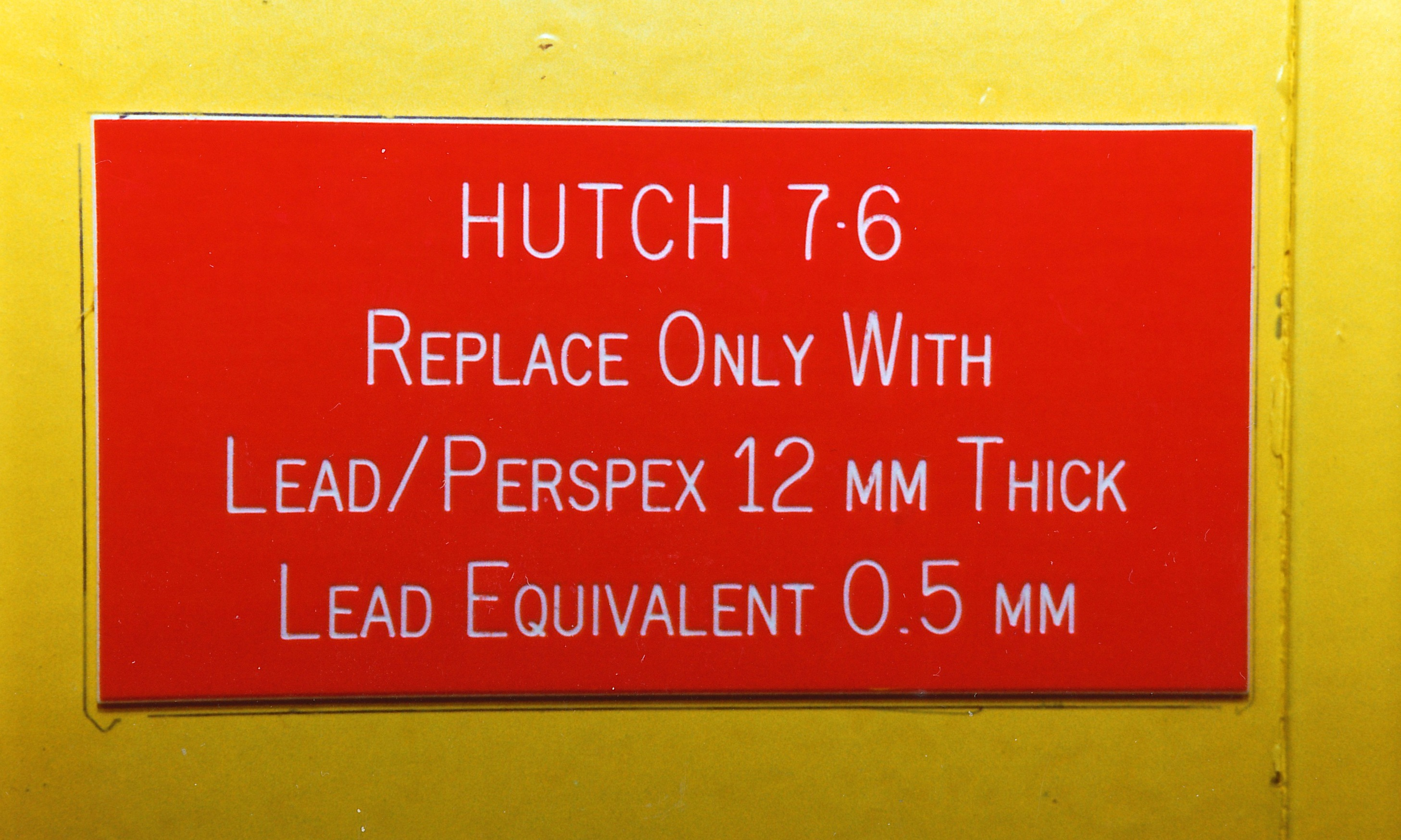029Dares019.jpg - Warning sign on hutch of station 7.6, Oct 1992